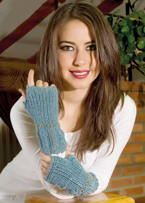 Alpaca Cable Fantasy Fingerless Gloves